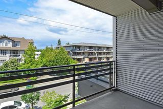 Photo 16: 301 15336 17A AVENUE in Surrey: King George Corridor Condo for sale (South Surrey White Rock)  : MLS®# R2386541