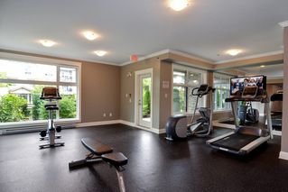 Photo 18: 301 15336 17A AVENUE in Surrey: King George Corridor Condo for sale (South Surrey White Rock)  : MLS®# R2386541