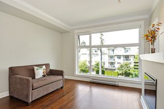 Photo 8: 301 15336 17A AVENUE in Surrey: King George Corridor Condo for sale (South Surrey White Rock)  : MLS®# R2386541