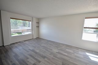 Photo 6: 8644 173 Avenue in Edmonton: Zone 28 House Half Duplex for sale : MLS®# E4177731