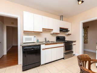 Photo 11: 215 E 36TH Avenue in Vancouver: Main House for sale (Vancouver East)  : MLS®# R2422049