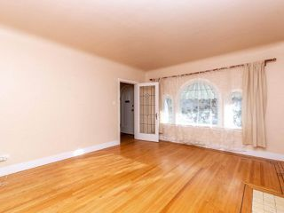 Photo 3: 215 E 36TH Avenue in Vancouver: Main House for sale (Vancouver East)  : MLS®# R2422049