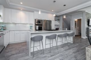 """Photo 4: 204 16488 64 Avenue in Surrey: Cloverdale BC Townhouse for sale in """"Harvest at Bose Farm"""" (Cloverdale)  : MLS®# R2446564"""