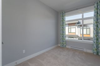 """Photo 14: 204 16488 64 Avenue in Surrey: Cloverdale BC Townhouse for sale in """"Harvest at Bose Farm"""" (Cloverdale)  : MLS®# R2446564"""