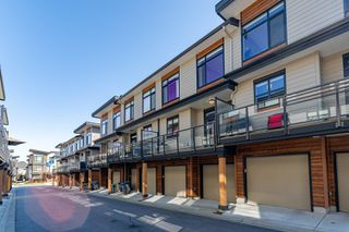 """Photo 30: 204 16488 64 Avenue in Surrey: Cloverdale BC Townhouse for sale in """"Harvest at Bose Farm"""" (Cloverdale)  : MLS®# R2446564"""