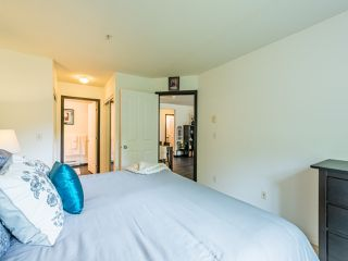 """Photo 19: 104 10188 155 Street in Surrey: Guildford Condo for sale in """"Sommerset"""" (North Surrey)  : MLS®# R2467680"""