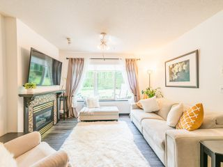 """Photo 5: 104 10188 155 Street in Surrey: Guildford Condo for sale in """"Sommerset"""" (North Surrey)  : MLS®# R2467680"""