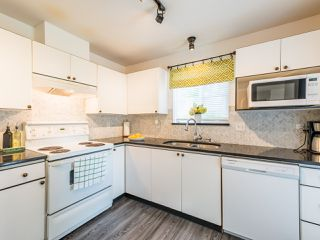 """Photo 13: 104 10188 155 Street in Surrey: Guildford Condo for sale in """"Sommerset"""" (North Surrey)  : MLS®# R2467680"""