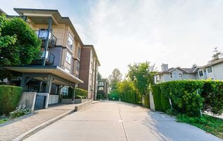 "Photo 2: 424 10707 139 Street in Surrey: Whalley Condo for sale in ""Aura 11"" (North Surrey)  : MLS®# R2479354"