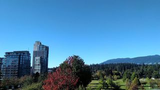 "Photo 33: 405 1790 BAYSHORE Drive in Vancouver: Coal Harbour Condo for sale in ""BAYSHORE GARDENS - TOWER 1"" (Vancouver West)  : MLS®# R2502869"