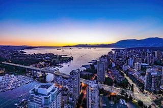 "Main Photo: 5601 1480 HOWE Street in Vancouver: Yaletown Condo for sale in ""VANCOUVER HOUSE"" (Vancouver West)  : MLS®# R2531161"