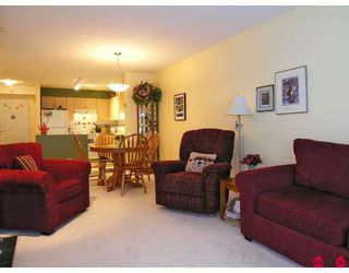 """Photo 4: 102 9668 148TH Street in Surrey: Guildford Condo for sale in """"Hartford Woods"""" (North Surrey)  : MLS®# F2708575"""