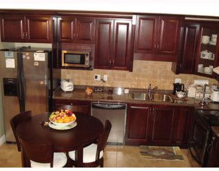 Photo 3: 6918 CUNNINGHAM CT in Burnaby: Burnaby Lake Condo for sale (Burnaby South)  : MLS®# V775193