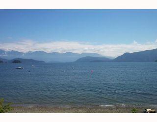Main Photo: 1170 POINT Road in Gibsons: Gibsons & Area House for sale (Sunshine Coast)  : MLS®# V662380