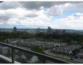 "Photo 9: 1703 6611 SOUTHOAKS Crescent in Burnaby: Middlegate BS Condo for sale in ""GEMINI I"" (Burnaby South)  : MLS®# V667416"