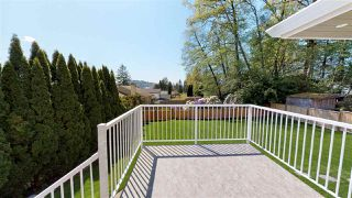 """Photo 2: 3015 PLYMOUTH Drive in North Vancouver: Windsor Park NV House for sale in """"WINDSOR PARK"""" : MLS®# R2400565"""