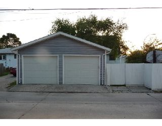 Photo 10: 753 STEWART ST in WINNIPEG: Westwood / Crestview Single Family Detached for sale (West Winnipeg)  : MLS®# 2914268