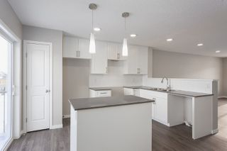 Photo 3: 109 3305 Orchards Link in Edmonton: Zone 53 Townhouse for sale : MLS®# E4175898