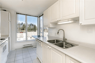 Photo 3: 703-7077 Beresford Street in Burnaby: Highgate Condo for sale (Burnaby South)  : MLS®# R2445324
