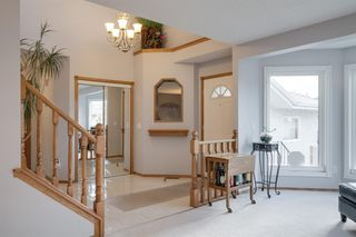 Photo 5: 219 Riverview Park SE in Calgary: Riverbend Detached for sale : MLS®# A1042474