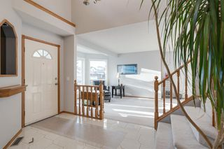 Photo 2: 219 Riverview Park SE in Calgary: Riverbend Detached for sale : MLS®# A1042474