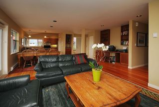 Photo 4: 795 Central Spur Rd in Victoria: Residential for sale (10)  : MLS®# 274211