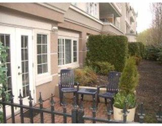 """Photo 3: 101 55 BLACKBERRY Drive in New Westminster: Fraserview NW Condo for sale in """"QUEENS PARK"""" : MLS®# V641994"""