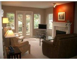 """Photo 8: 101 55 BLACKBERRY Drive in New Westminster: Fraserview NW Condo for sale in """"QUEENS PARK"""" : MLS®# V641994"""
