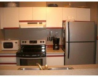 """Photo 6: 101 55 BLACKBERRY Drive in New Westminster: Fraserview NW Condo for sale in """"QUEENS PARK"""" : MLS®# V641994"""
