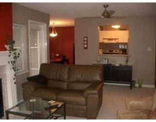 """Photo 9: 101 55 BLACKBERRY Drive in New Westminster: Fraserview NW Condo for sale in """"QUEENS PARK"""" : MLS®# V641994"""
