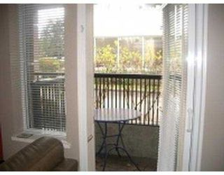 """Photo 4: 101 55 BLACKBERRY Drive in New Westminster: Fraserview NW Condo for sale in """"QUEENS PARK"""" : MLS®# V641994"""