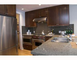 """Photo 3: 307 1477 W 15TH Avenue in Vancouver: Fairview VW Condo for sale in """"SHAUGHNESSY MANSIONS"""" (Vancouver West)  : MLS®# V648285"""