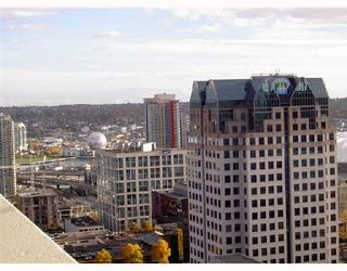 """Photo 2: 3001 438 SEYMOUR Street in Vancouver: Downtown VW Condo for sale in """"CONFERENCE PLAZA"""" (Vancouver West)  : MLS®# V675251"""