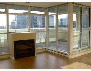 """Photo 5: 3001 438 SEYMOUR Street in Vancouver: Downtown VW Condo for sale in """"CONFERENCE PLAZA"""" (Vancouver West)  : MLS®# V675251"""