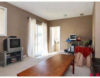 Photo 9: 8842 213A Place in Langley: Walnut Grove House for sale : MLS®# F2802003