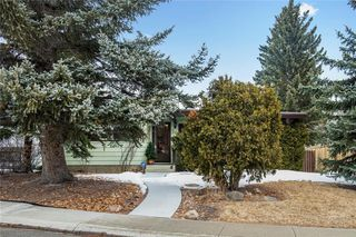 Photo 3: 36 HUNTERBURN Place NW in Calgary: Huntington Hills Detached for sale : MLS®# C4292694