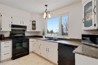 Photo 13: 36 HUNTERBURN Place NW in Calgary: Huntington Hills Detached for sale : MLS®# C4292694