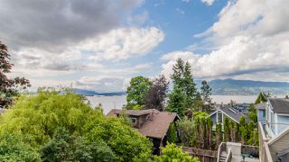Photo 2: 1645 STEPHENS Street in Vancouver: Kitsilano House 1/2 Duplex for sale (Vancouver West)  : MLS®# R2462939