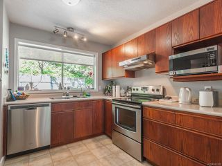 Photo 7: 330 Fawn Pl in NANAIMO: Na Uplands House for sale (Nanaimo)  : MLS®# 843359