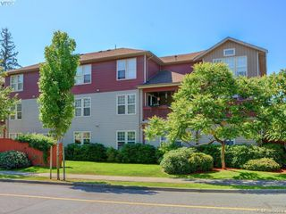 Photo 1: 17 2711 Jacklin Rd in Langford: La Langford Proper Row/Townhouse for sale : MLS®# 843478