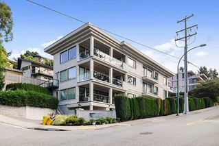 Photo 1: 3 15021 BUENA VISTA AVENUE: White Rock Condo for sale (South Surrey White Rock)  : MLS®# R2501195