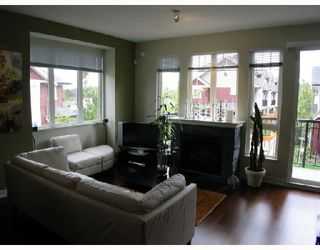 "Photo 3: 20 6188 BIRCH Street in Richmond: McLennan North Townhouse for sale in ""BRANDYWINE LANE"" : MLS®# V671396"