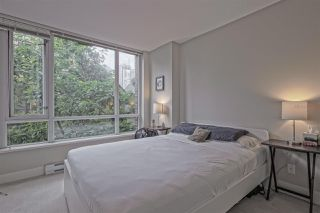 """Photo 8: 202 1088 RICHARDS Street in Vancouver: Yaletown Condo for sale in """"RICHARDS"""" (Vancouver West)  : MLS®# R2403889"""