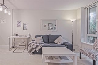 """Photo 2: 202 1088 RICHARDS Street in Vancouver: Yaletown Condo for sale in """"RICHARDS"""" (Vancouver West)  : MLS®# R2403889"""