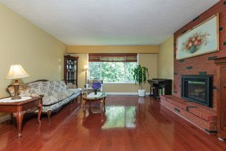 Photo 1: 660 CYPRESS Street in Coquitlam: Central Coquitlam House for sale : MLS®# R2412366