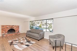 Photo 3: 1717 Kenmore Road in VICTORIA: SE Gordon Head Single Family Detached for sale (Saanich East)  : MLS®# 416825