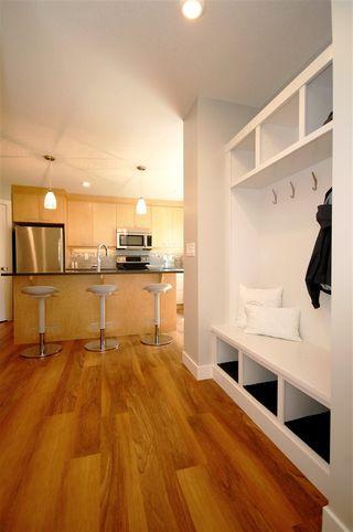 Photo 7: 9327 93 Street NW in Edmonton: Zone 18 House Triplex for sale : MLS®# E4202555