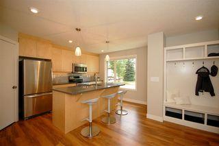 Photo 2: 9327 93 Street NW in Edmonton: Zone 18 House Triplex for sale : MLS®# E4202555