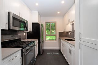 Photo 9: 113 BROOKSIDE Drive in Port Moody: Port Moody Centre Townhouse for sale : MLS®# R2468701