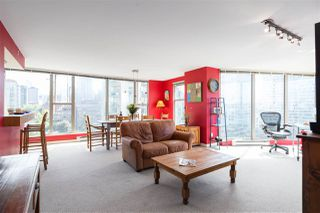 "Main Photo: 1401 1000 BEACH Avenue in Vancouver: Yaletown Condo for sale in ""1000 BEACH"" (Vancouver West)  : MLS®# R2469143"